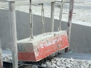 悬挂式永磁除铁器 -用于制砂生产线